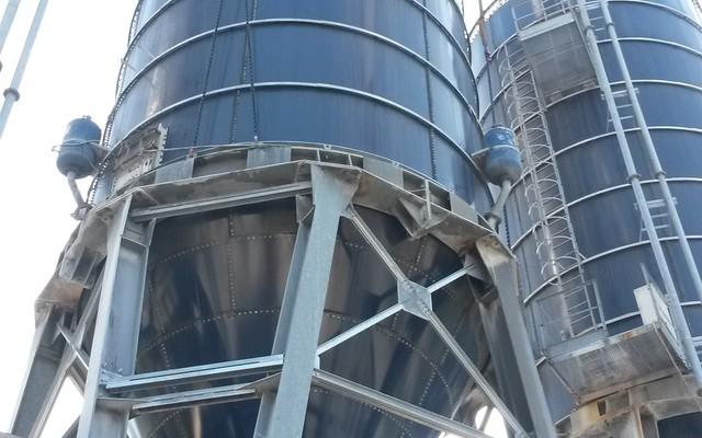 Montaggio mantello e tetto silos
